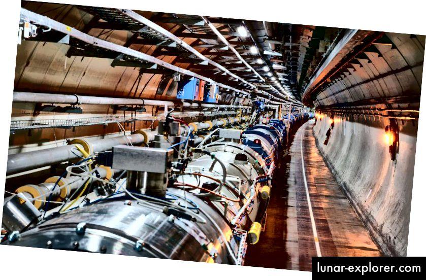 Bagian dalam LHC, di mana proton saling melintas pada 299.792.455 m / s, hanya 3 m / s yang malu kecepatan cahaya. Sekuat LHC, SSC yang dibatalkan bisa tiga kali lebih kuat, dan mungkin telah mengungkapkan rahasia alam yang tidak dapat diakses di LHC. (CERN)