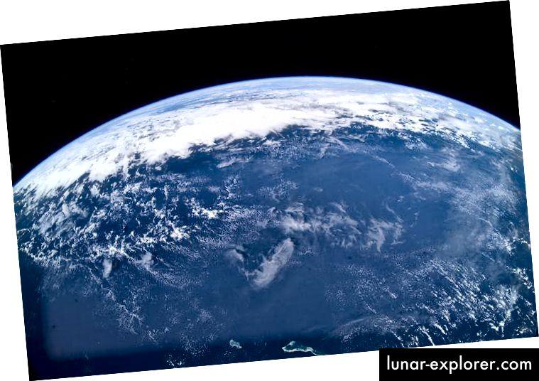Erdhorizont an Bord der Internationalen Raumstation (NASA)