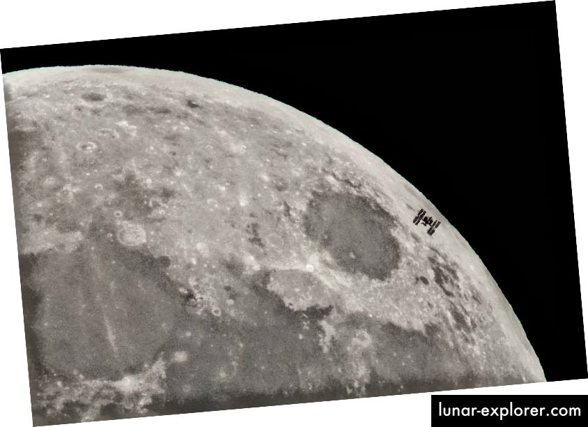 Международната космическа станция (МКС) се вижда силуетна срещу Луната. Кредит за изображение: НАСА / Бил Ингълс