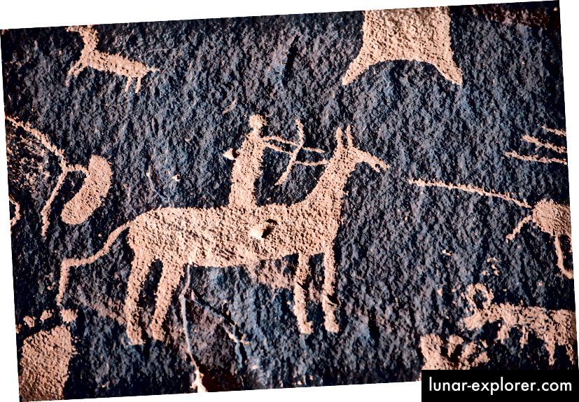Un petroglifo del cacciatore del nativo americano sulla roccia del giornale nel parco nazionale di Canyonlands, sud-ovest USA Foto: Tashka / iStock / Getty Images Plus