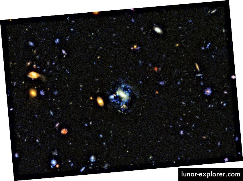 A galaxisok, amelyek jelenleg gravitációs kölcsönhatásokon vagy összeolvadásokon mennek keresztül, szinte mindig új, fényes, kék csillagokat képeznek. Először az egyszerű összeomlás jelenti a csillagok kialakulásának módját, de a mai csillagképződés nagy része erőszakosabb folyamat eredménye. Az ilyen galaxisok szabálytalan vagy zavart formái kulcsfontosságú jelzést adnak arra, hogy ez történik. (NASA, ESA, OESCH P. (GENEVA EGYETEM) és M. MONTES (ÚJ DÉL-WALES EGYETEM))