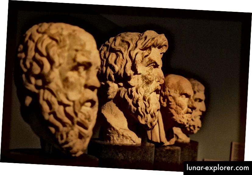 Poprsje Aristotela. Fotografiju napisao morhamedufmg Pixabay.
