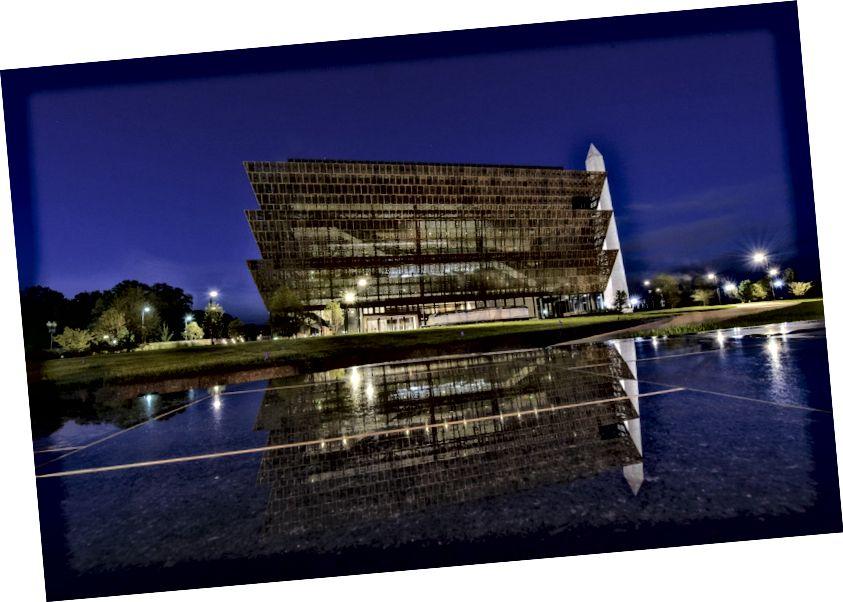 Արևելքից անմիջապես առաջ Սմիթսոնյան ինստիտուտի Աֆրիկյան Ամերիկայի պատմության և մշակույթի ազգային թանգարանում: (Jahi Chikwendiu / The Washington Post)