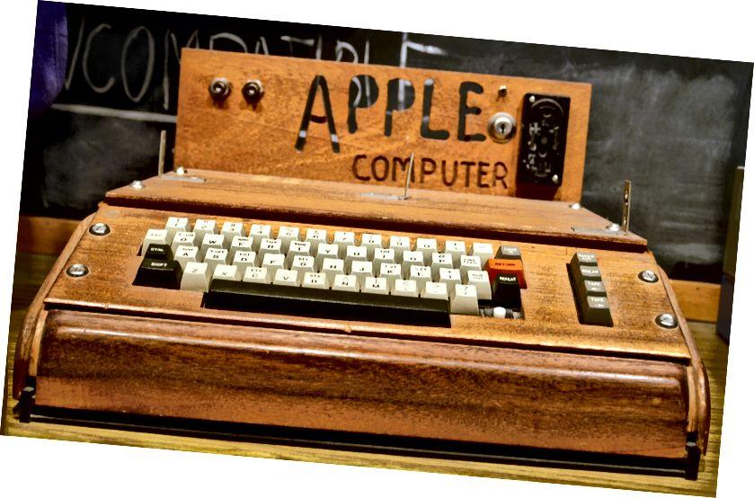 Apple I - https://en.wikipedia.org/wiki/Apple_I