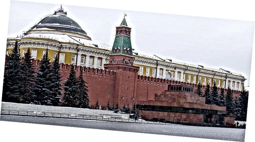 Lenin məqbərəsi, Moskvanın Qırmızı meydanı