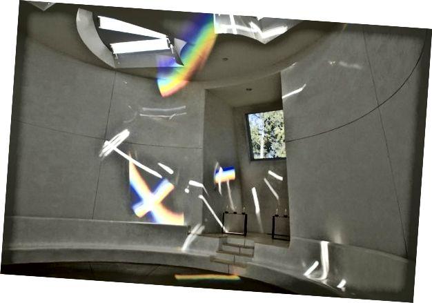 Vlevo: studio Charlese Rossa, New York, 01970. Vpravo: Dwan Light Sanctuary, 0996.