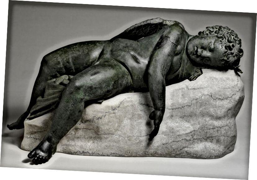 Նկար 5. Քնած էրոսի բրոնզե արձան: Հելլենիստական ժամանակաշրջանը (մ.թ.ա. 323–27), որը հայտնաբերվել է Հունական Ռոդ կղզում: Մետրոպոլիտենի արվեստի թանգարան