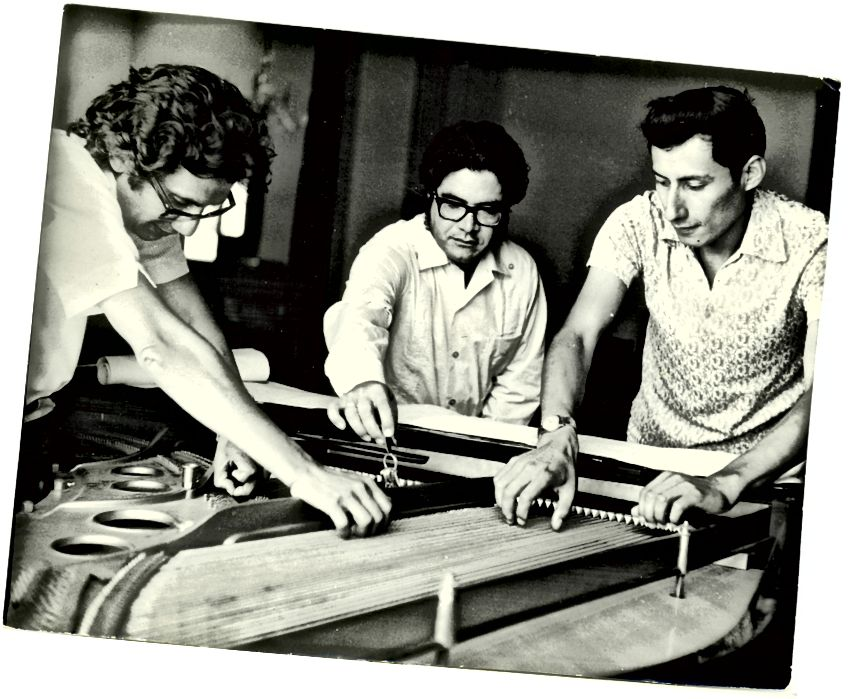Cesar Bolaños, Leopoldo La Rosa a Alejandro Nuñez Allauca, 1971