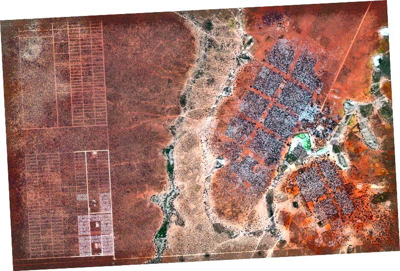 –0 · 000434 °, 40 · 364929 ° Hagadera, hier rechts zu sehen, ist der größte Teil des Dadaab-Flüchtlingslagers im Norden Kenias und beherbergt 100.000 Flüchtlinge. Um mit der wachsenden Zahl von vertriebenen Somalis, die in Dadaab ankommen, fertig zu werden, haben die Vereinten Nationen begonnen, Menschen in ein neues Gebiet namens LFO-Erweiterung zu bringen, das hier links zu sehen ist. Dadaab ist das größte Flüchtlingslager der Welt mit einer geschätzten Gesamtbevölkerung von 400.000. Täglicher Überblick | Satellitenbilder © 2016, DigitalGlobe, Inc.