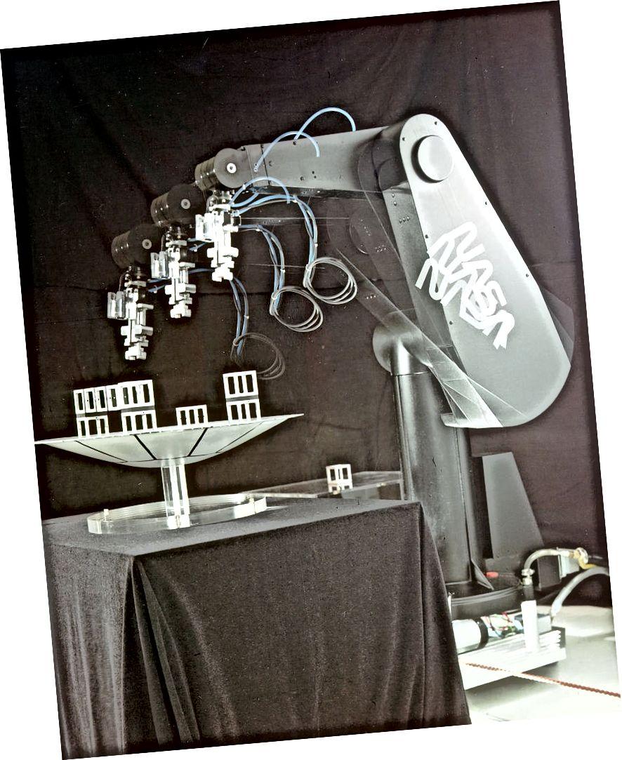 Puma - einer der ersten Industrieroboter. Dominic Hart, NASA, gemeinfrei