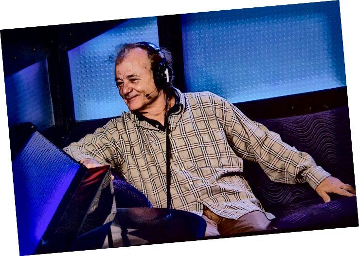 Foto mit freundlicher Genehmigung von HowardStern.com. Bill Murray am Set der Howard Stern Show im Oktober 2014.