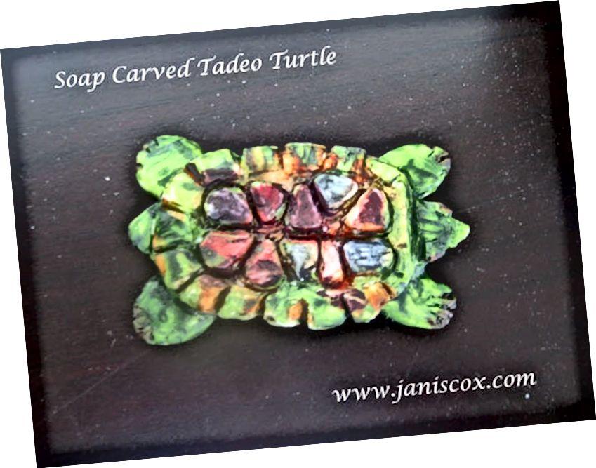 Seifenschildkröte von Janis Cox geschnitzt