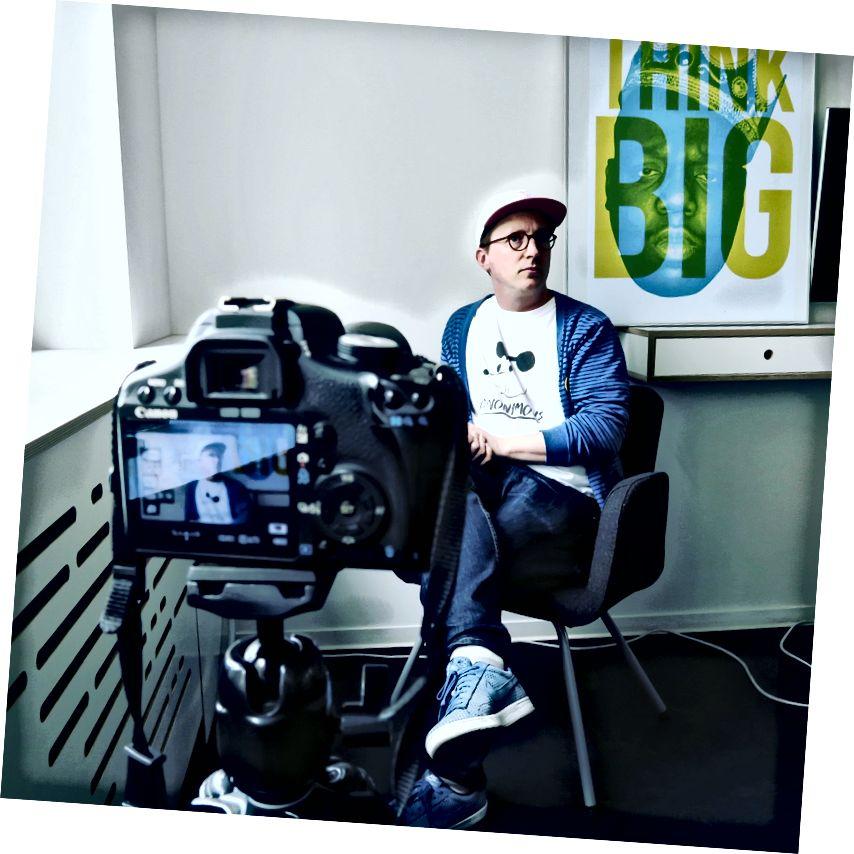 Jason na velitelství Blinkist v Berlíně.