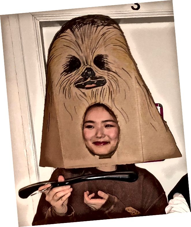 زي Chewbacca ؛ كرتون وشماعات