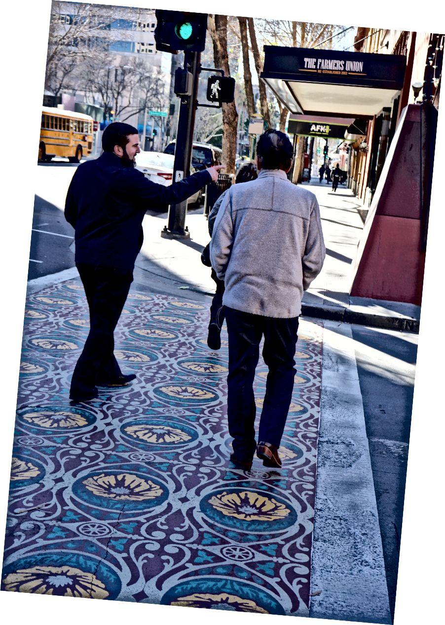 Пасео-де-Антонио Арт пешеходный переход (фото из Ассоциации Сан-Хосе центр) и Сан-Педро Арт пешеходный переход