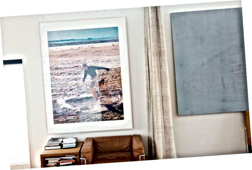 Zleva doprava: Umělecké dílo Carla Holmquista; práce Richarda Prince a Fredrika Værslela. Fotografie: Thomas Ekström