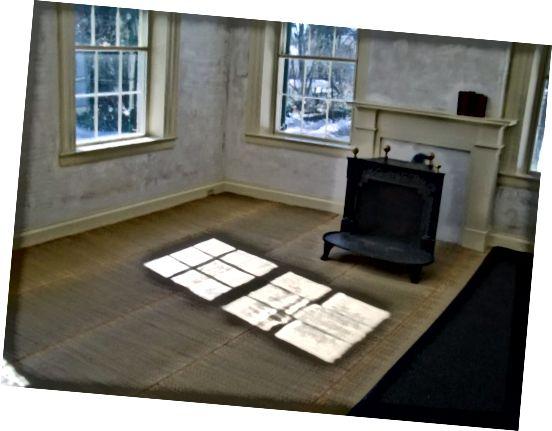 Спалня Емили Дикинсън, сътрудници по съхранение на исторически документи
