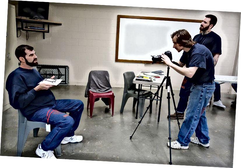 ওয়ার্ডস ওয়ার্কিংয়ের ছবিগুলির উত্তরগুলির সাথে ওয়ার্ডস ওয়ার্কিং টিম তাদের নিজস্ব, সিআরসিআই, পোর্টল্যান্ড ওরেগনের চিত্র