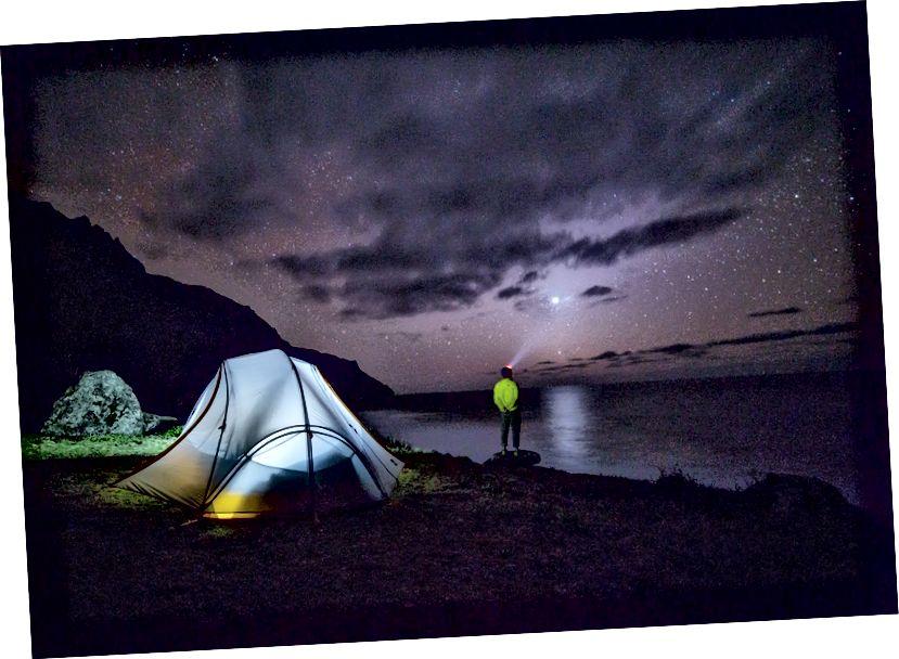 https://unsplash.com/search/Camping؟photo=dQn37qrUzDI