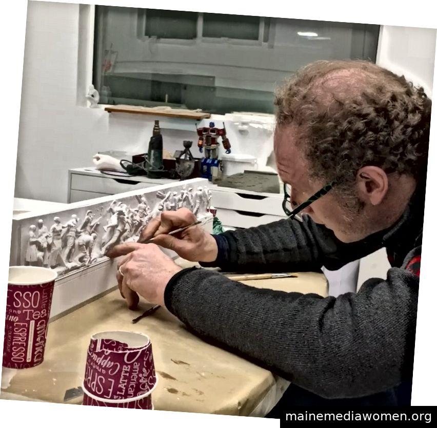 Sabin Howard arbeitet an dem Pulverdruck des WWI Memorial