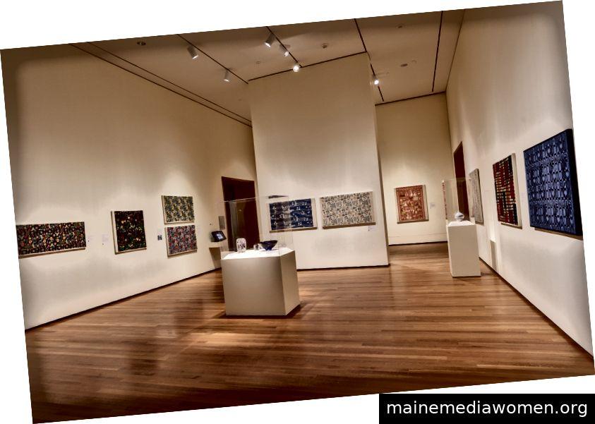 Farbe und Komfort: Schwedische moderne Design-Installationsbilder, David Brichford für das Cleveland Museum of Art