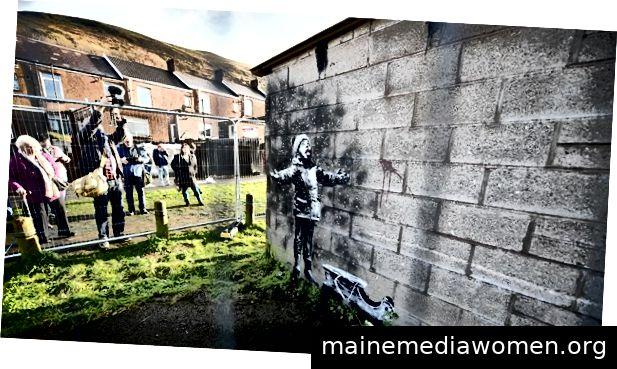 Das Kunstwerk von Port Talbot, das vermutlich von Banksy stammt. https://www.irishexaminer.com/breakingnews/discover/banksy-artwork-owner-paying-for-security-guards-to-protectmural-893382.html