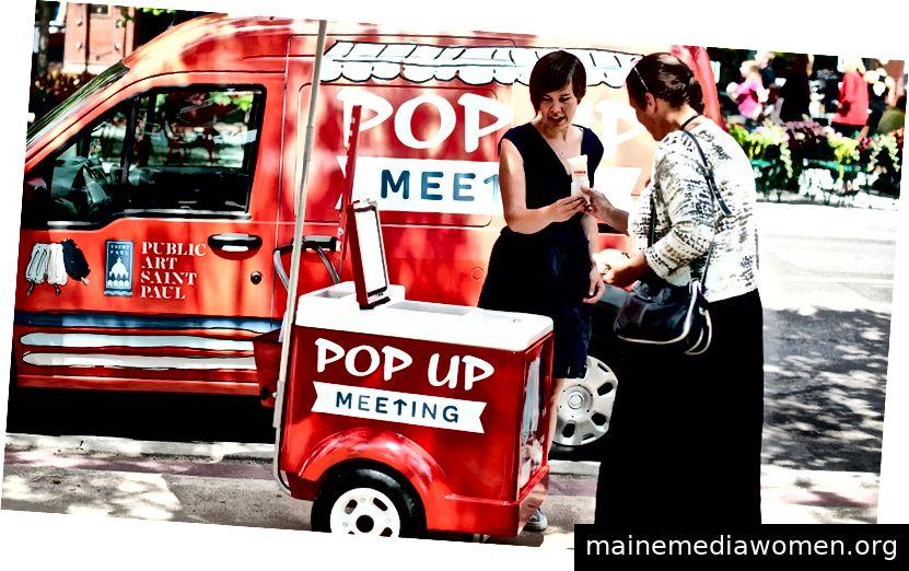 """Amanda Lovelees """"Pop-Up-Meeting"""". Bild von der öffentlichen Kunst St. Paul"""
