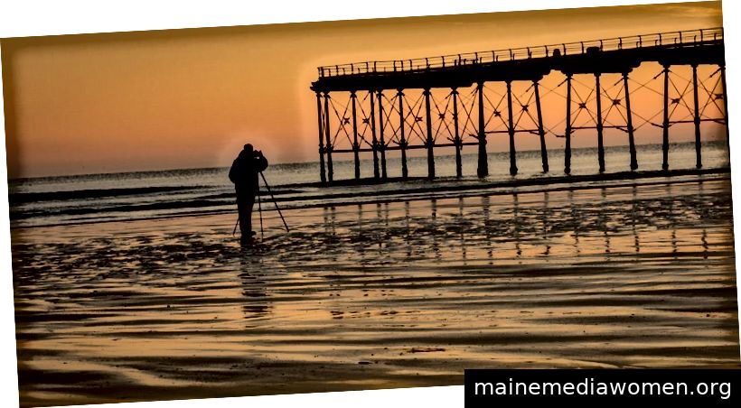 Goldener Moment am Strand bei Sonnenuntergang - Copyright Tim Hill