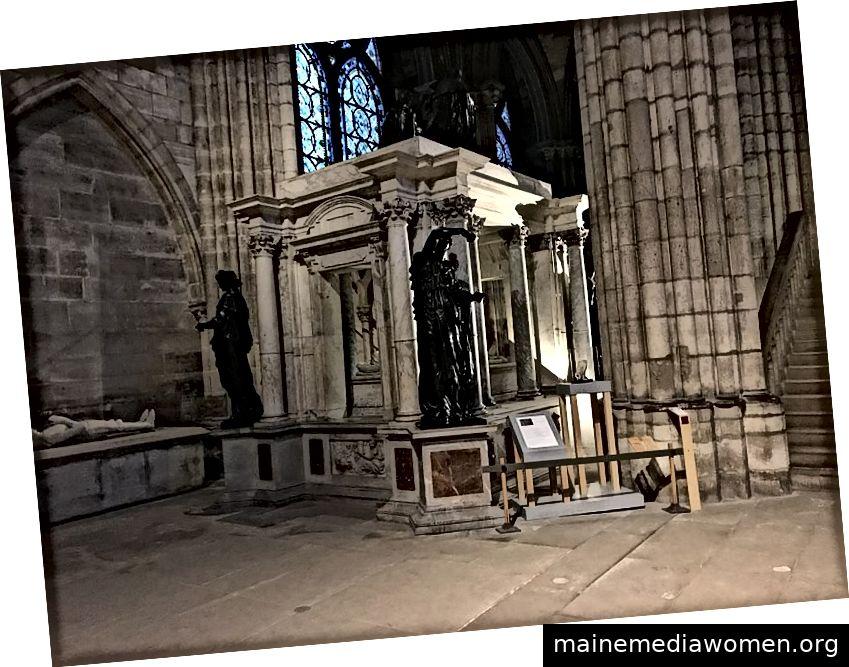 Saint Denis Basilica, Grab von Henri II. Und Catherine de Medici, die sich ursprünglich in der Rotonde des Valois befand. © Chabe01