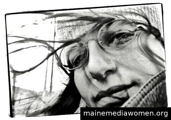 """Selbstporträt, Annie Leibovitz, 1970. Aus ihrem Buch """"Annie Leibovitz: At Work""""."""