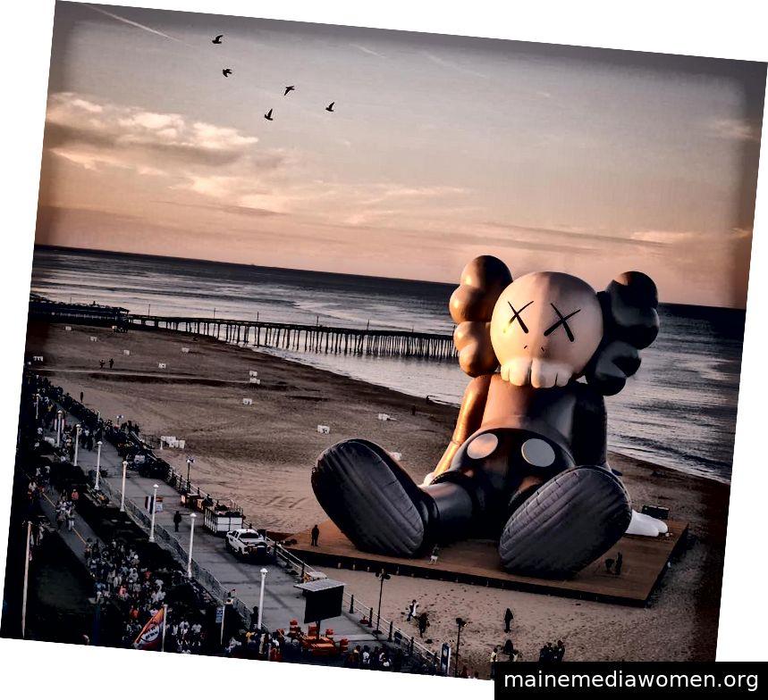 KAWS Urlaub in Virginia Beach, Virginia 2019 über Collater