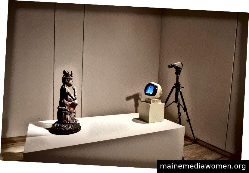 TV Buddha, 1976. Nam June Paik. Aus der Sammlung Art Gallery NSW.