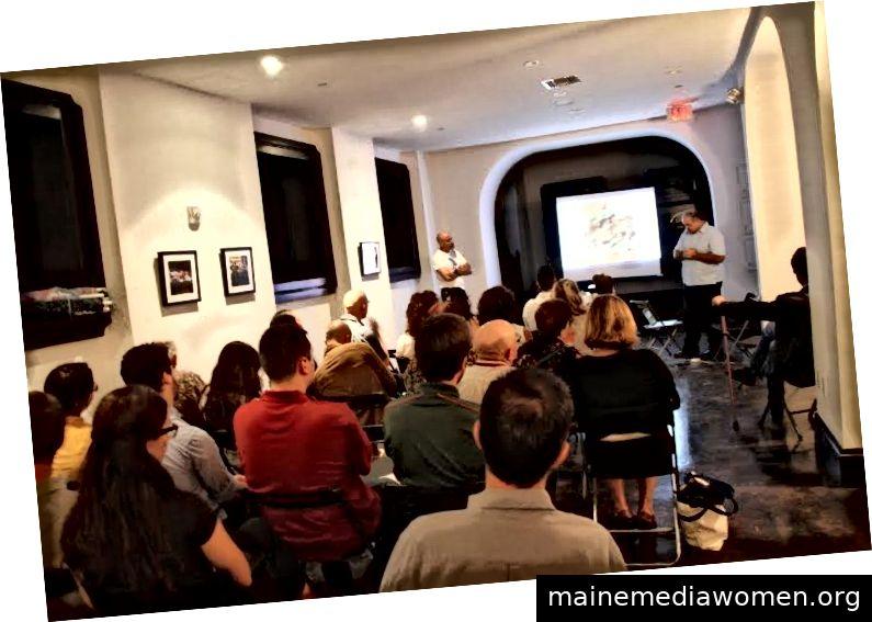 Physik- und Kunstsalon mit dem FIU-Physiker Peter Markowitz und dem Künstler Xavier Cortada, jetzt Professor für Rechtswissenschaften an der Universität von Miami.