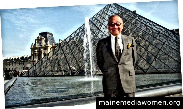 Ich bin Pei vor dem Louvre
