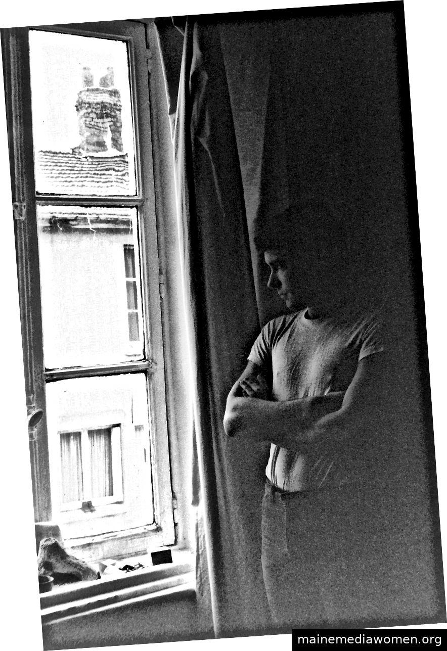 Gerry Joe Weise in seinem Atelier in Reims, 1987.