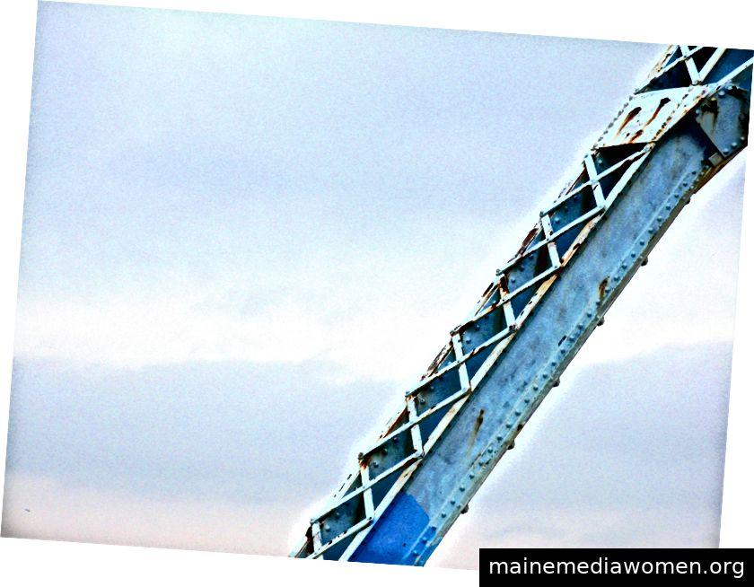 Blaue (und alte) Brücke in Victoria, BC