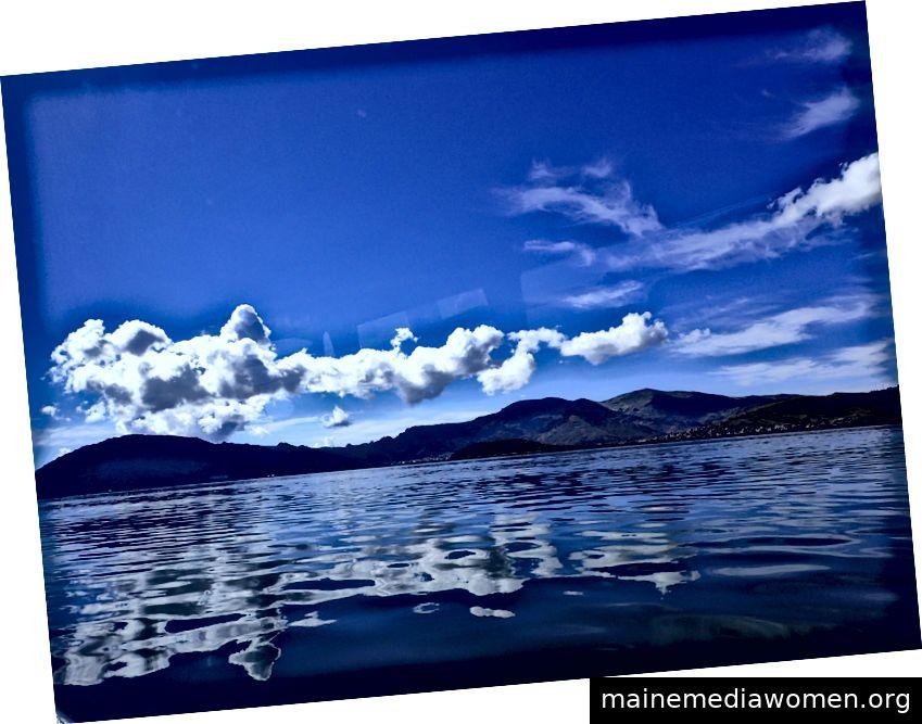 Alter Roman verliehener Navy_FrancineFallara_2018–01_Titicaca See, Peru