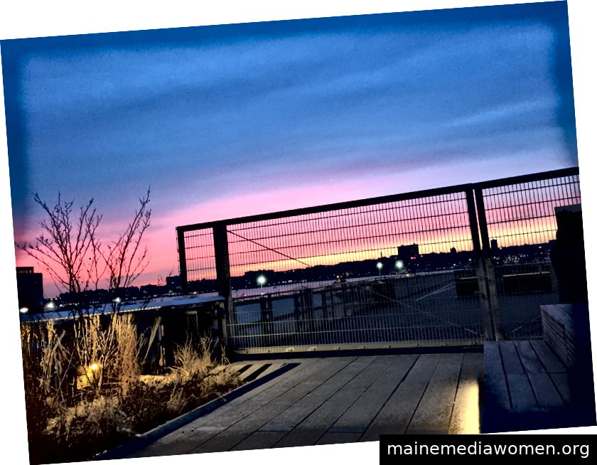 Die Sonne geht über der High Line unter