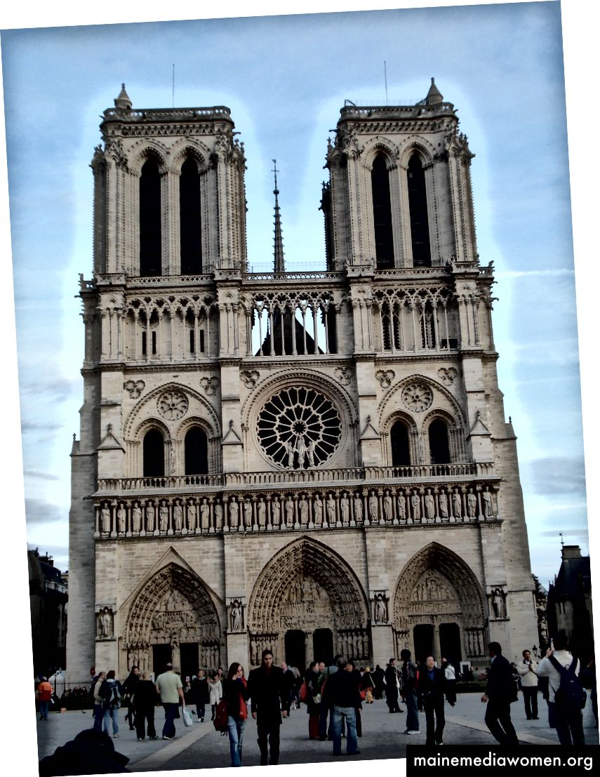 Foto der Glockentürme von Notre Dame