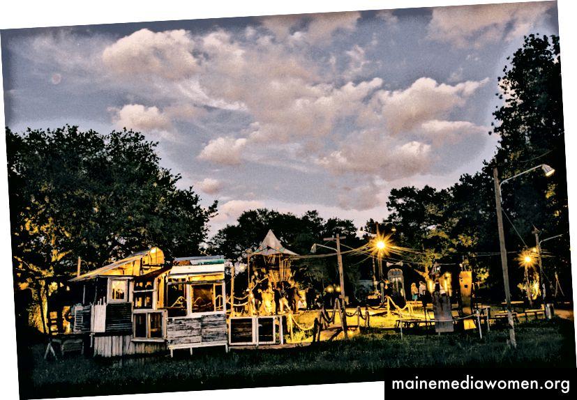The Music Box Village المتجول في New Orleans 'City Park. الصورة: ويليام ويدمر