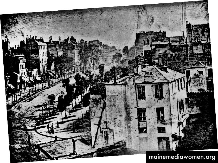 Boulevard de Temple (1838), Louis Daguerre: das früheste erhaltene Foto eines Menschen. [Quelle]