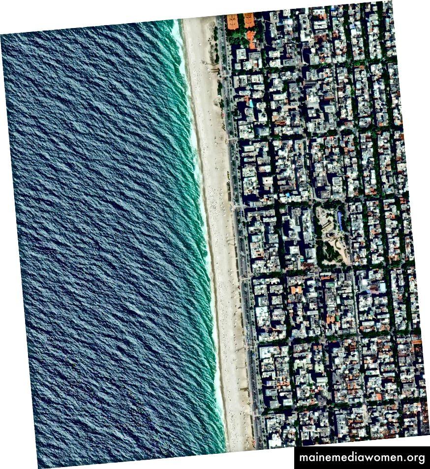 """–22 · 983606 °, –43 · 206638 ° Ipanema Beach befindet sich in der südlichen Zone von Rio de Janeiro, Brasilien. Der Sand ist als einer der schönsten Strände der Welt bekannt und wird von Rettungsschwimmertürmen, sogenannten """"Postos"""", in Segmente unterteilt. Tagesübersicht   Satellitenbilder © 2016, DigitalGlobe, Inc."""