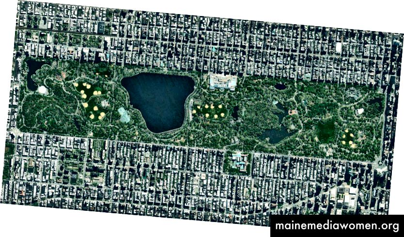 """Titelbild: 40 · 782997 °, –73 · 966741 ° Central Park in New York City, USA, erstreckt sich über 341 Hektar (843 Acres), was 6% der Insel Manhattan ausmacht. Eine der einflussreichsten Innovationen bei der Gestaltung des Parks waren die """"getrennten Zirkulationssysteme"""" für Fußgänger, Radfahrer, Reiter und Autos. Der Park enthält zahlreiche Tennisplätze und Baseballfelder, eine Eisbahn und ein Schwimmbad. Es dient auch als Ziellinie für den New York City Marathon und den New York City Triathlon. Tagesübersicht   Satellitenbilder © 2016, DigitalGlobe, Inc."""