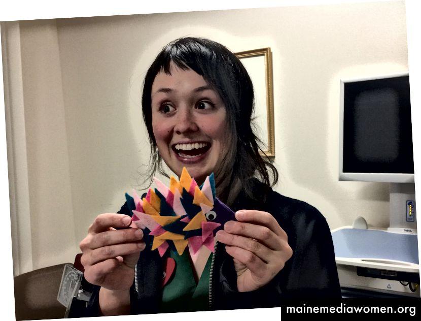Rachel, eine freiwillige Helferin, ist nichts, wenn nicht lebendig. Erleben Sie ihre gefilzte Spike-Fish-Kreation.