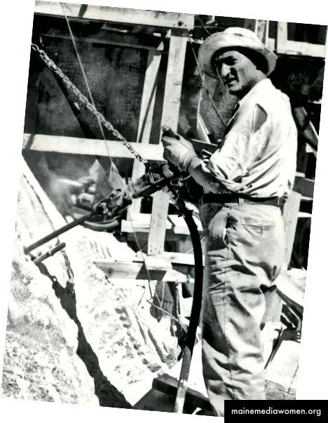 Luigi Del Bianco arbeitet an einem der berühmten Gesichter des Mount Rushmore. Foto mit freundlicher Genehmigung verwendet.
