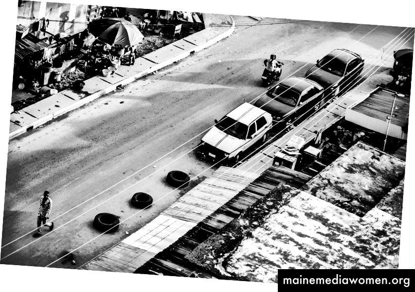 Drei Reifen: 2014: Monochrome Lagos