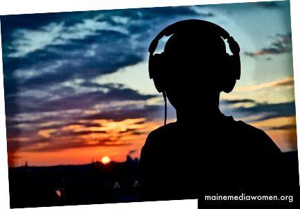 Как в момента прилагаме контекст към музиката, за да подобрим изживяването. Контекст, генериран от потребителя…