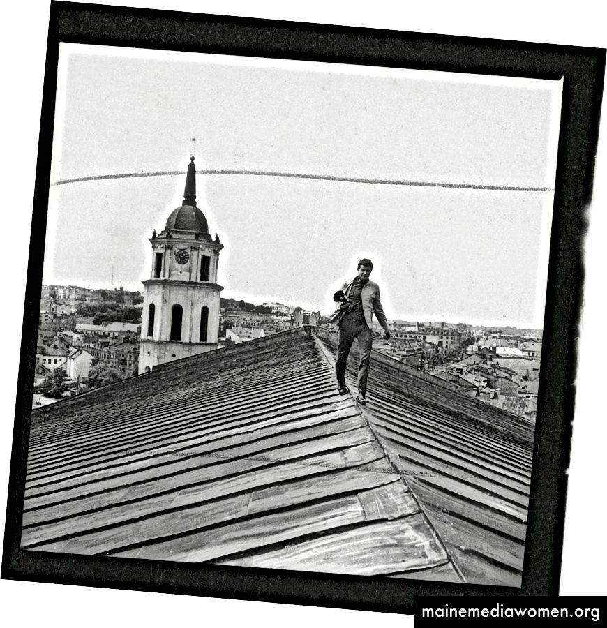 Витас Лукус, над покривите на Вилнюс.