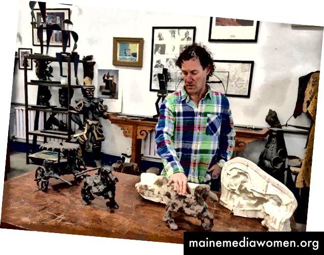 Im Studio durch Models und Maquettes gehen, von ChinaDaily.com.