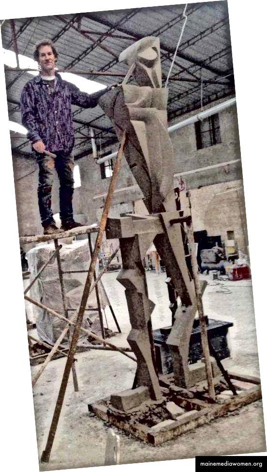 Bildhauerei in großem Maßstab.